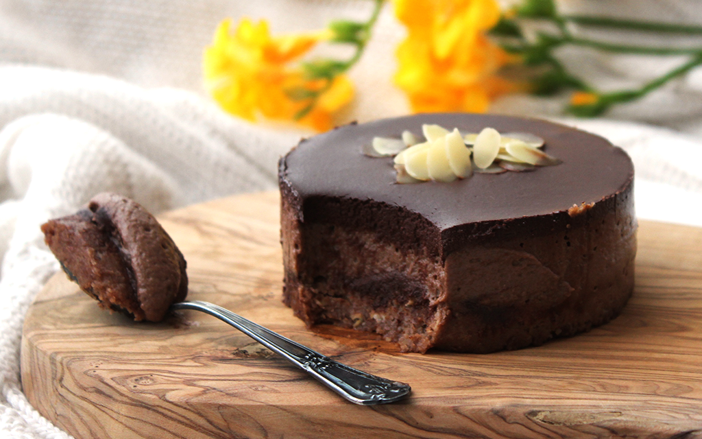 Raw-Chocolate-Almon-Mini-Cakes2