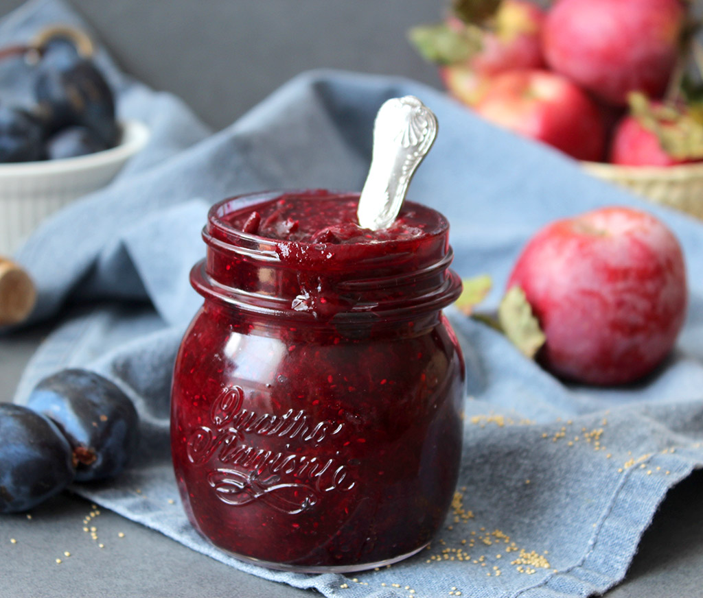 roasted_plum_chia_jam1