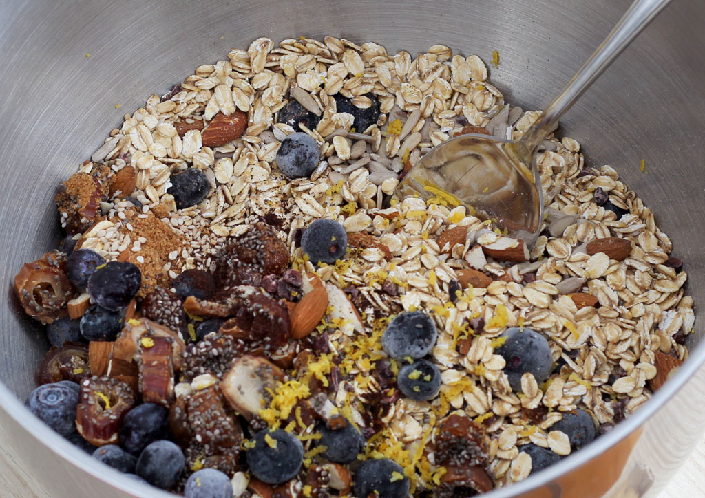 Golden-Blueberry-Vanilla-Granola1