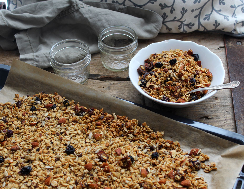 Golden-Blueberry-Vanilla-Granola3