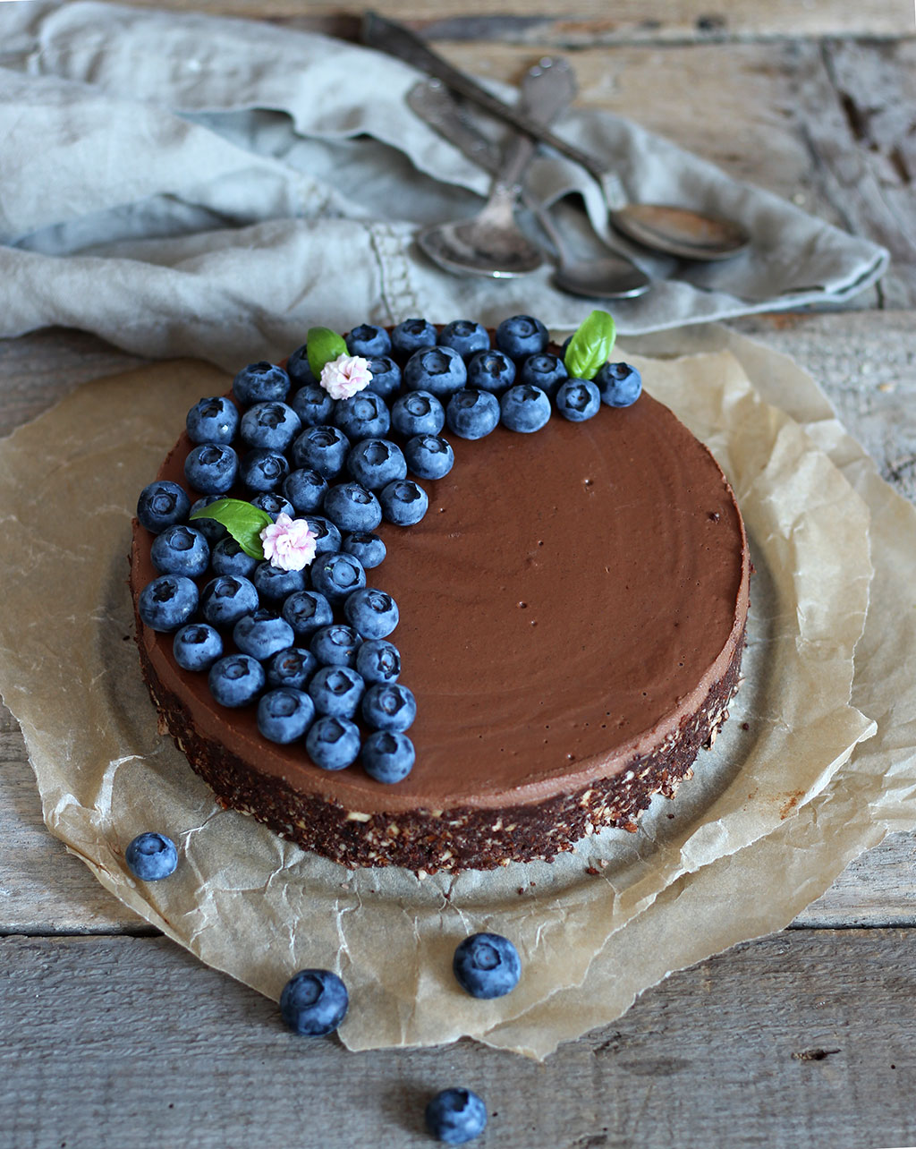 Double-Chocolate-Raw-Cake3