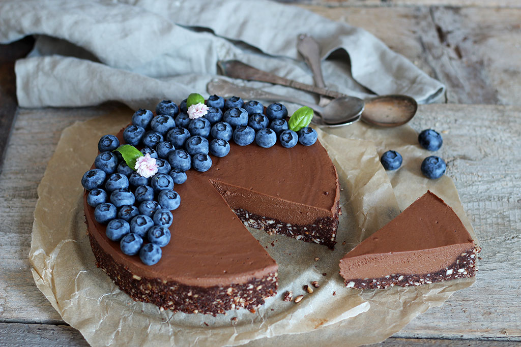 Double-Chocolate-Raw-Cake5