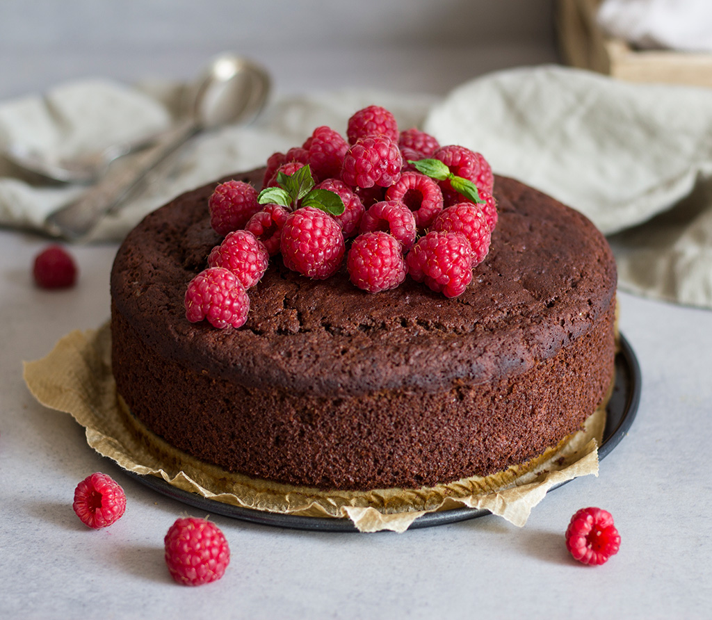 Vegan-Chocolate-sponge-cake0-