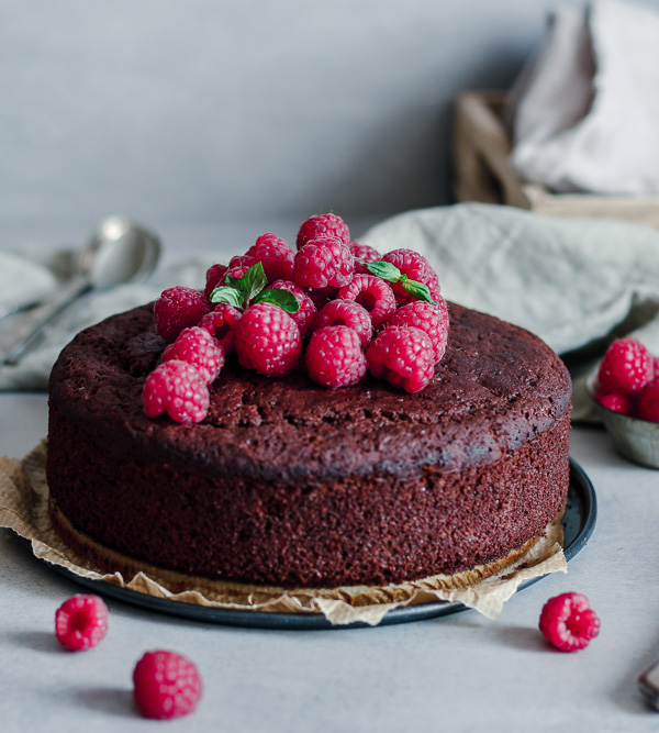Vegan chocolate sponge cake2
