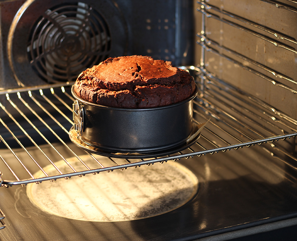 Double-Chocolate-Vegan-Cake0