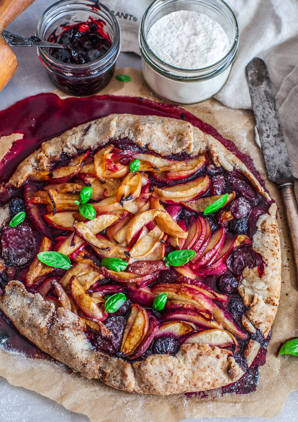 Gluten_free_vegan_peach_and_blueberry_galette-07