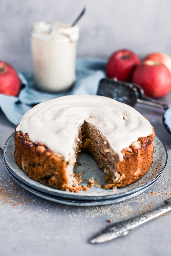Apple Almond Cake with creamy cashew frosting, slice cut, Maja Brekalo