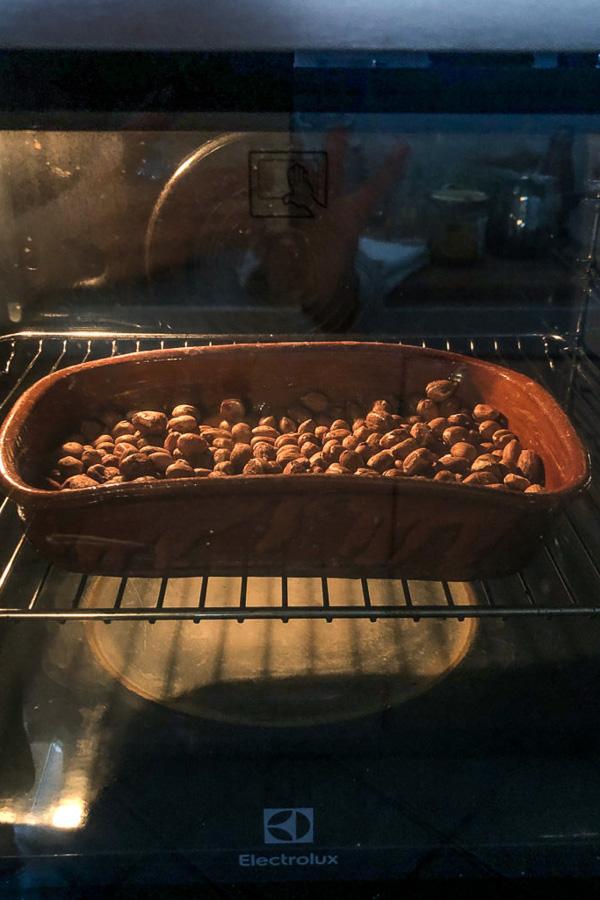 hazelnuts roasting, Maja Brekalo