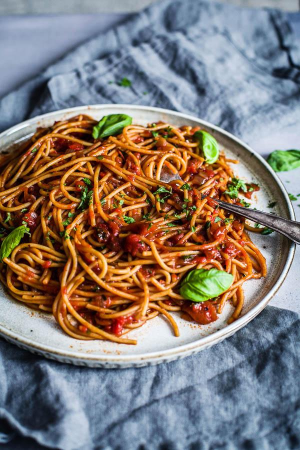 Smokey Tomato Pasta, vegan, gluten free, Maja Brekalo