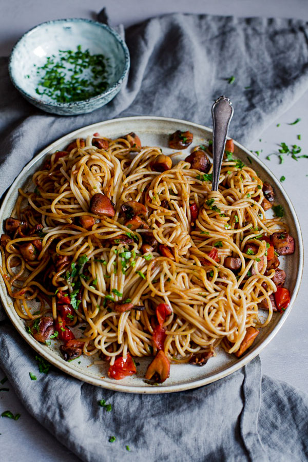Super Simple Mushroom Pasta, vegan, gluten free, Maja Brekalo