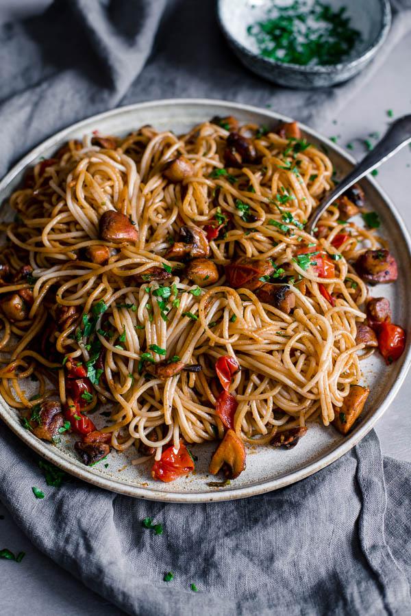Super Simple Mushroom Pasta, gluten free, vegan, Maja Brekalo