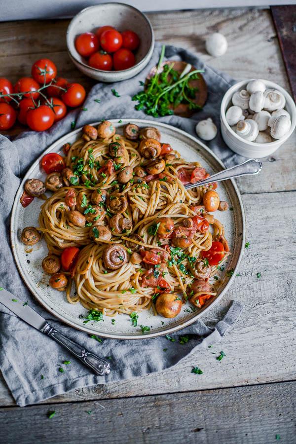 Baby Tomato Mushroom Pasta, Pasta s mini rajčicama i gljivama, vegan, Maja Brekalo
