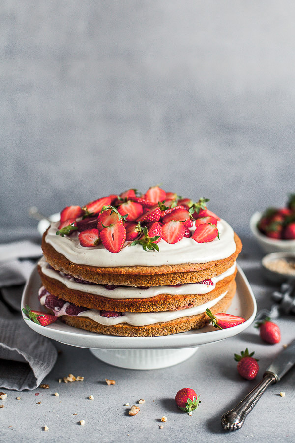Strawberry Layer Cake on a cake stand, vegan, helthy, Maja Brekalo