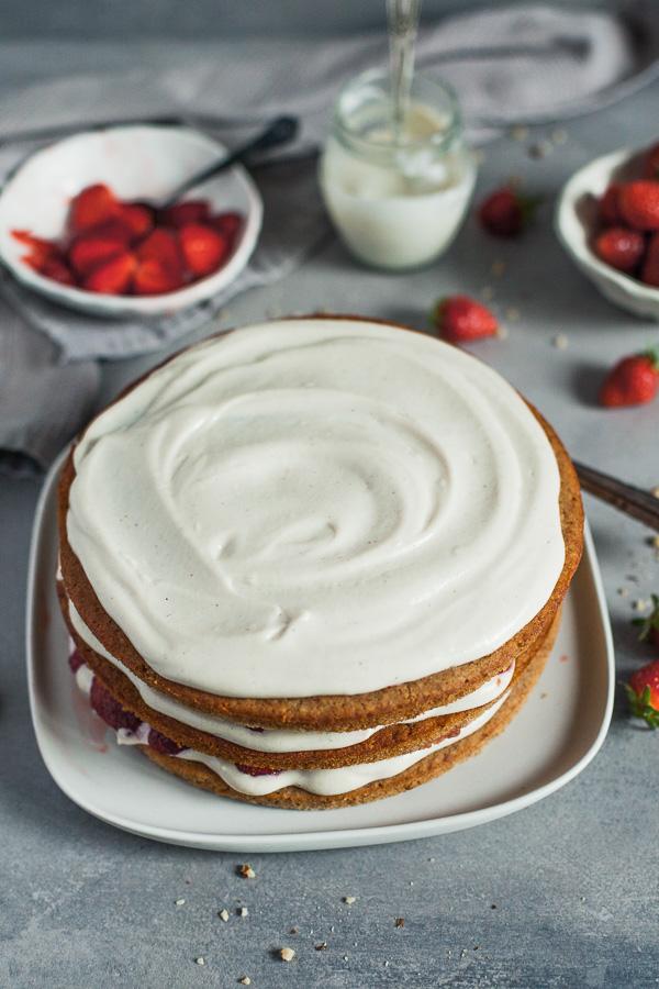 Assembling Vegan Strawberry Layered Cake, layer three Maja Brekalo