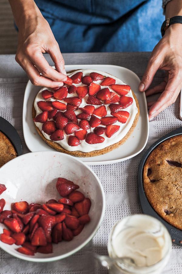 Assembling Vegan Strawberry Layered Cake, layer one Maja Brekalo