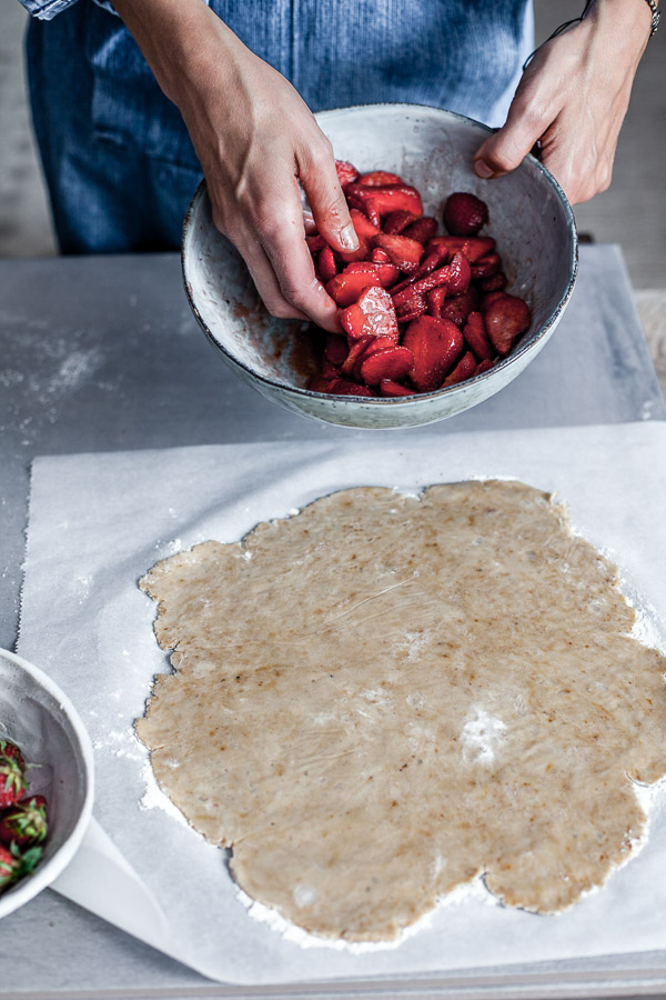 Making of strawberry galette, seasoning strawberries with coconut sugar, Maja Brekalo