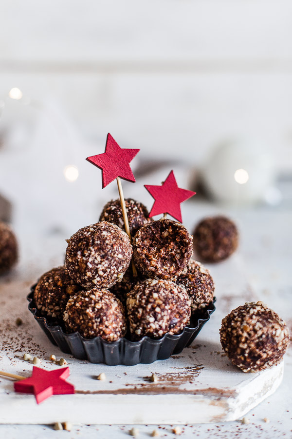 Chocolate Bliss Balls, vegan and refined sugar free