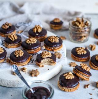Hazelnut Sandwich Cookies, vegan, refined sugar free