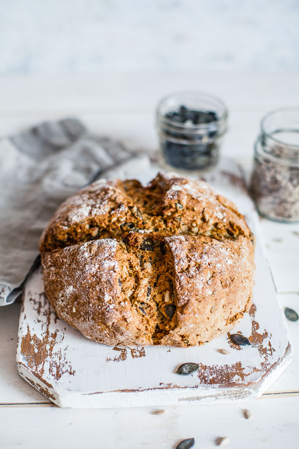 No-yeast-rye-and-spelt-bread-with-pumpkin-and-sunflower-seeds-maja-brekalo