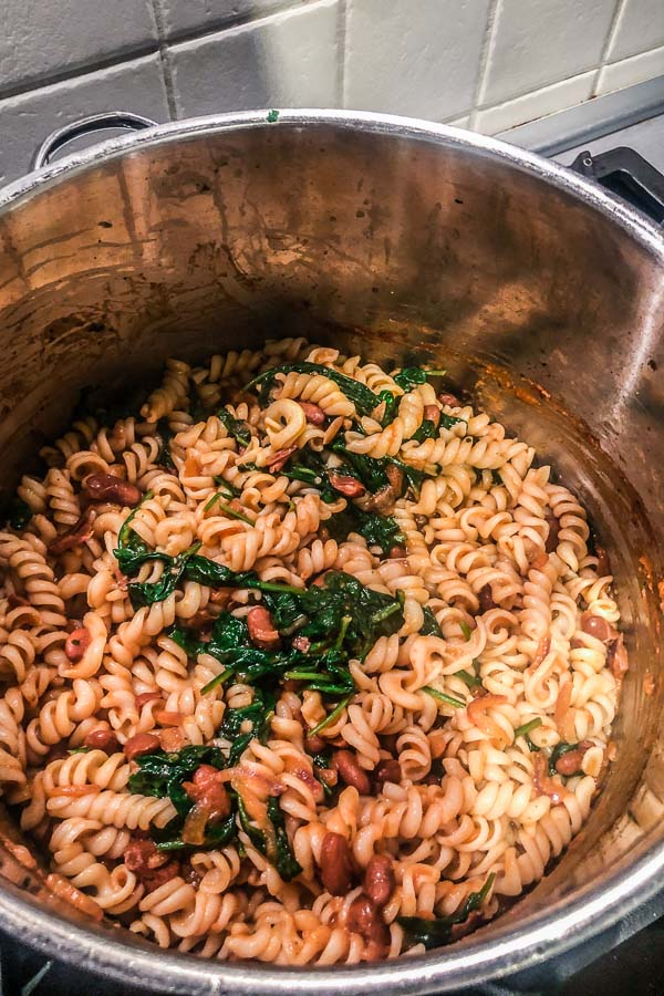 beans,-tomatoes,-spinach-and-a-pasta-in-a-pot-maja-brekalo